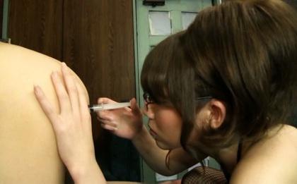 Sexy cutie Maki Koizumi arranges kinky strap-on fuck